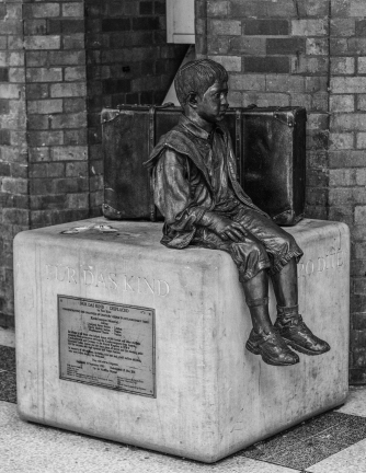 Kindertransport statue, London Liverpool Street; symbol of showing welcome to vulnerable refugees